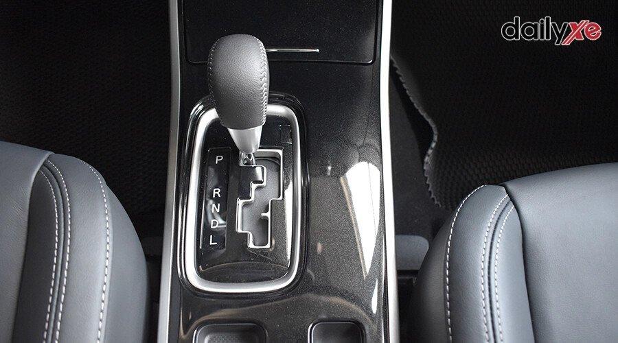Mitsubishi Outlander 2.0 CVT - Hình 22