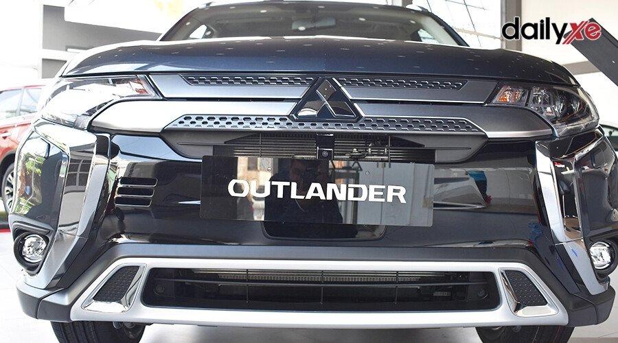 Mitsubishi Outlander 2.0 CVT - Hình 4