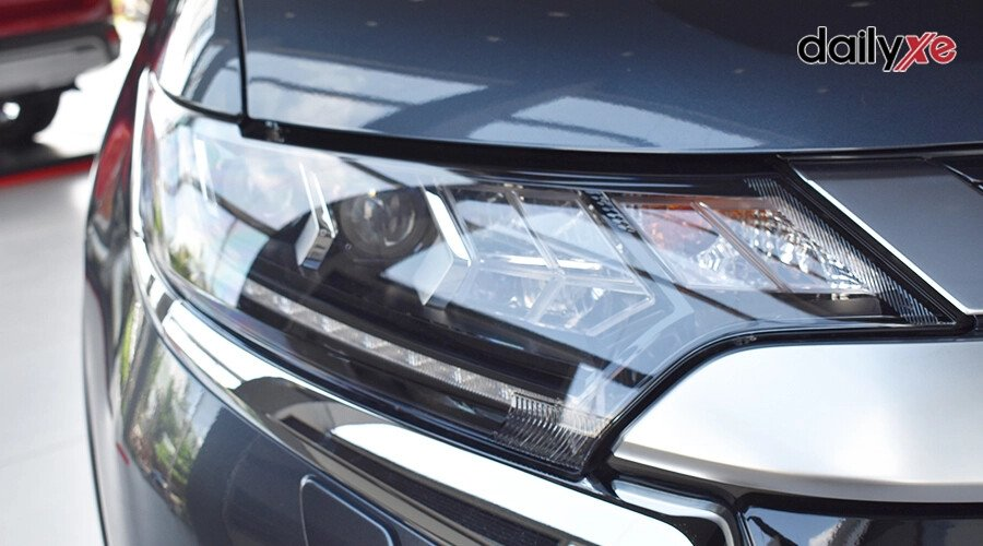 Mitsubishi Outlander 2.0 CVT - Hình 5