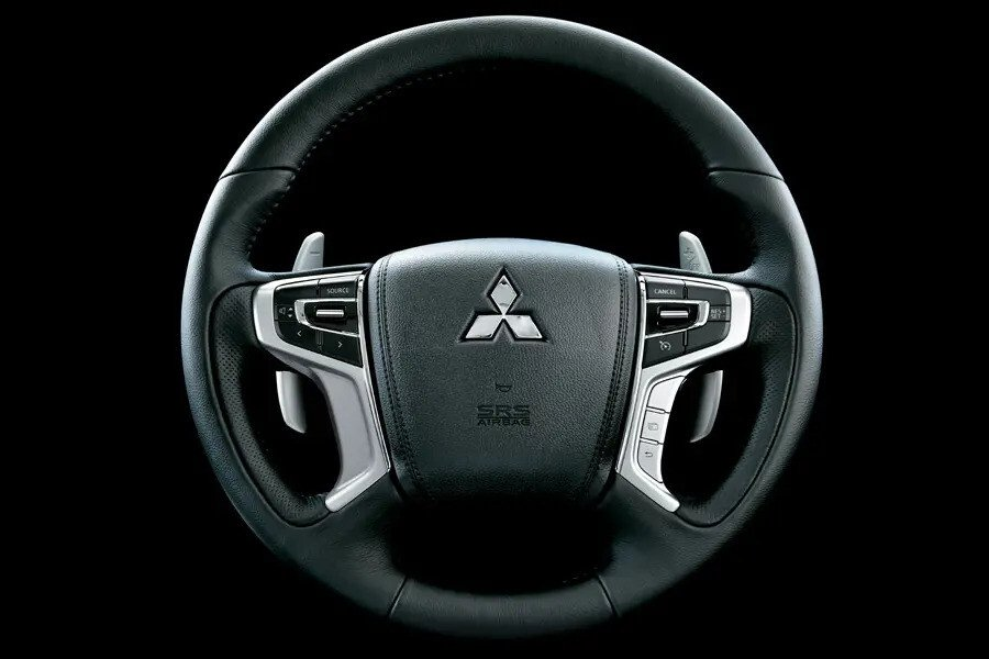 Mitsubishi Pajero Sport Gasoline 4x4 AT Premium - Hình 13