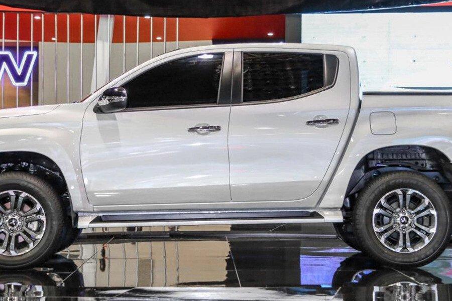 Mitsubishi Triton 4x2 AT Mivec - Hình 5