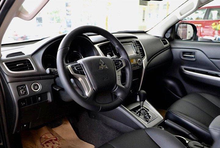 Mitsubishi Triton 4x2 AT Mivec - Hình 8