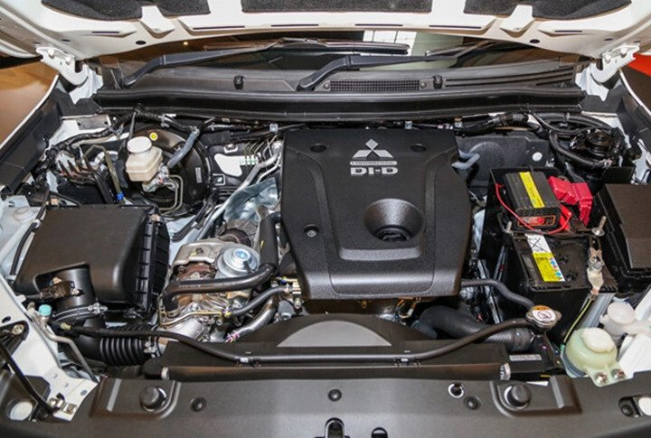 Mitsubishi Triton 4x4 AT Mivec - Hình 16