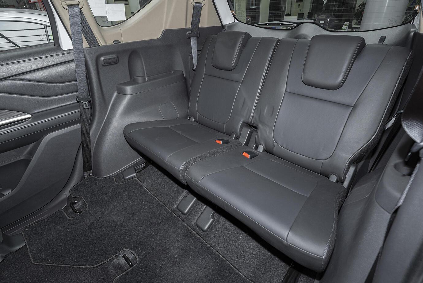 Mitsubishi Xpander AT (Máy xăng) - Hình 13