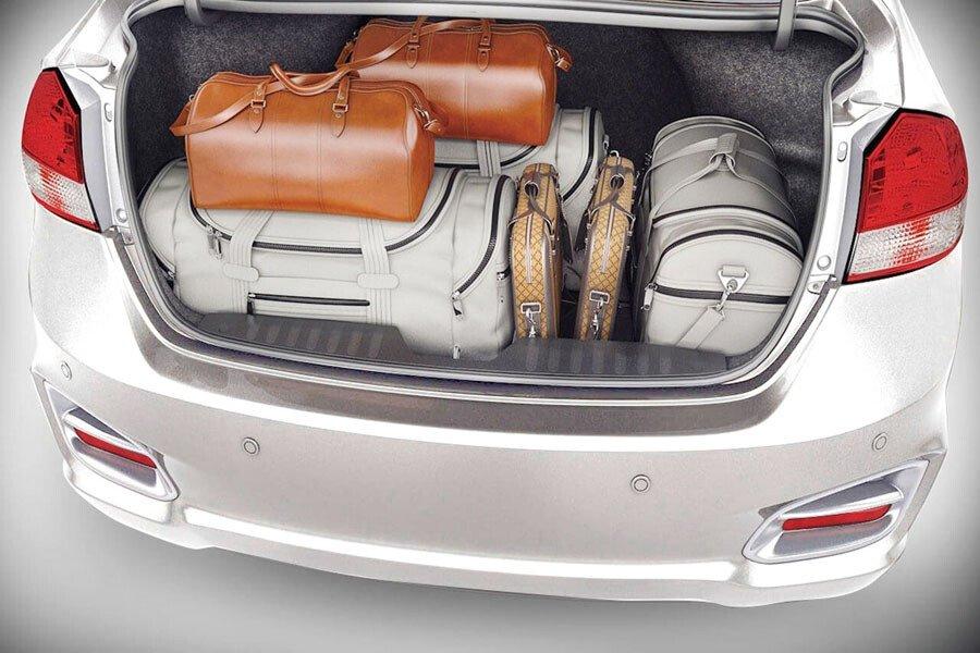 Suzuki Ciaz Mới có khoang hành lý rộng rãi
