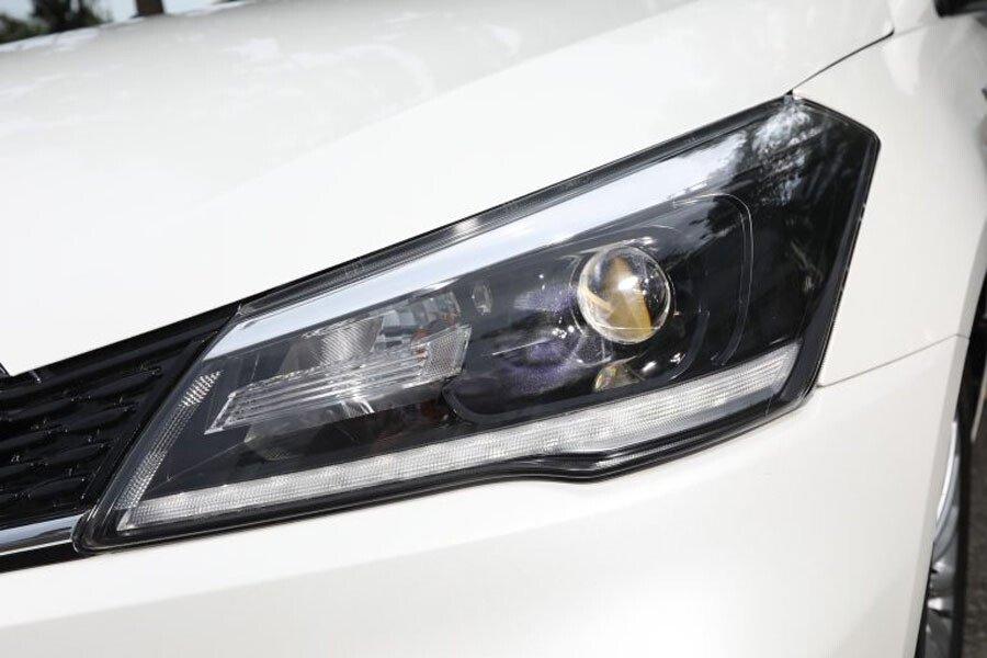 Cụm đèn trước áp dụng công nghệ LED