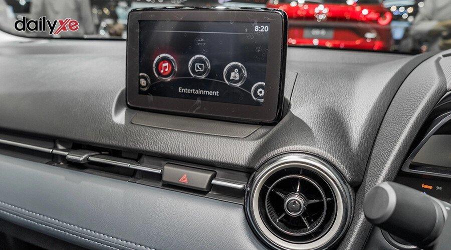 New Mazda2 1.5 Deluxe - Hình 16