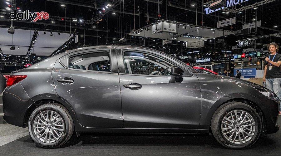 New Mazda2 1.5 Deluxe - Hình 6