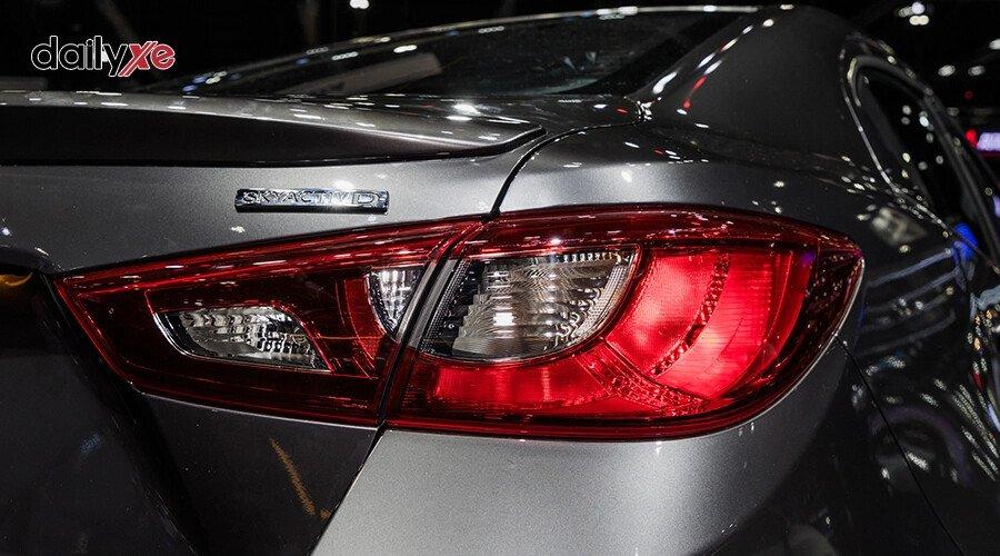 New Mazda2 1.5 Deluxe - Hình 9