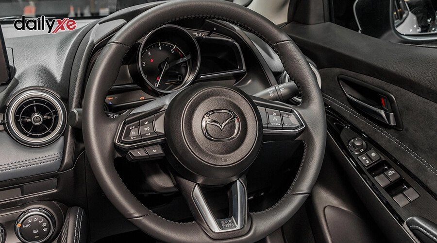 New Mazda2 1.5 Luxury - Hình 13