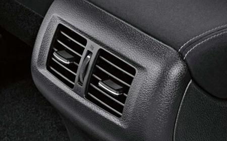 Nissan Navara EL Prenium R (Máy dầu) - Hình 13