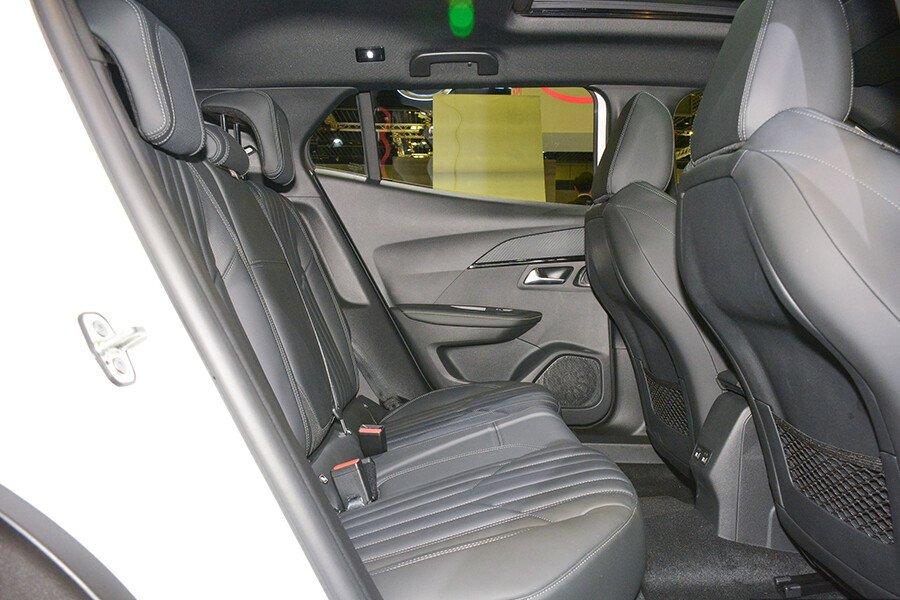 Peugeot 2008 GT Line - Hình 31