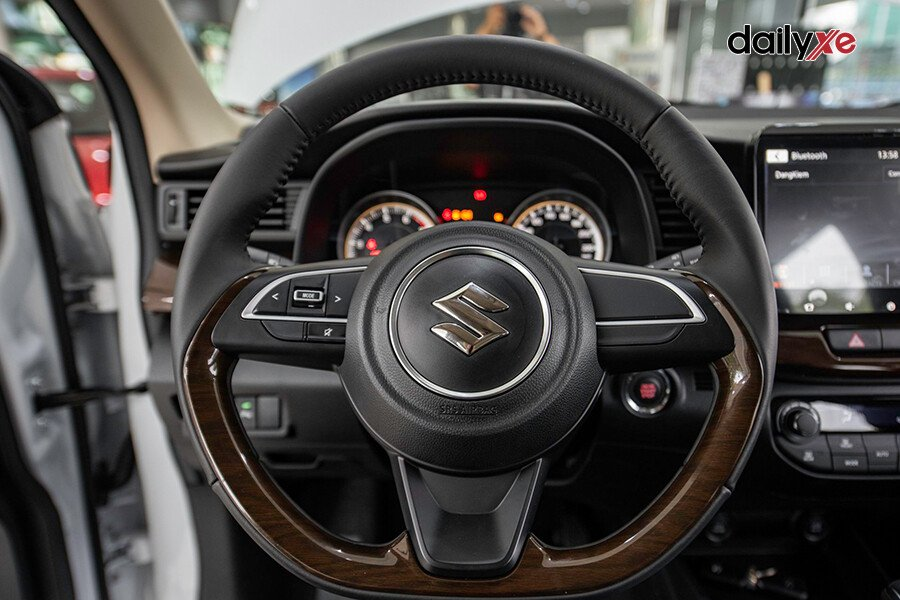 Suzuki Ertiga GL - Hình 16