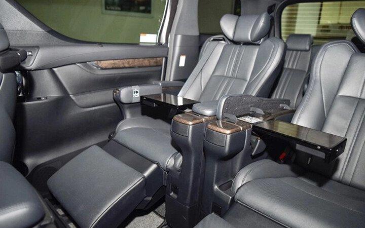 Toyota Alphard Luxury 2020 - Hình 14