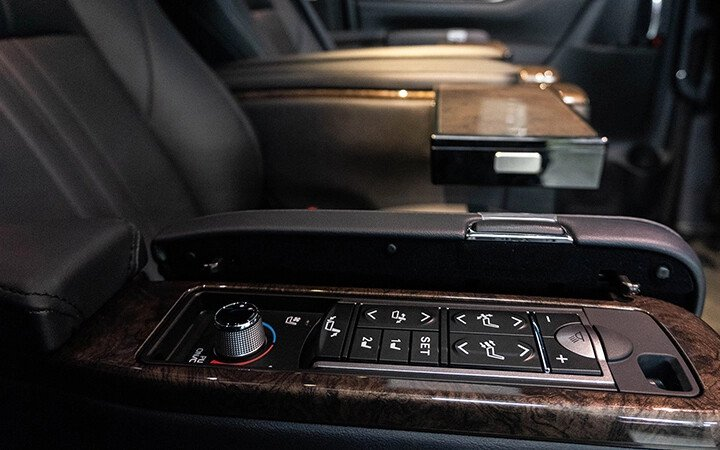 Toyota Alphard Luxury 2020 - Hình 19