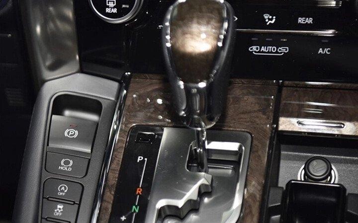 Toyota Alphard Luxury 2020 - Hình 21