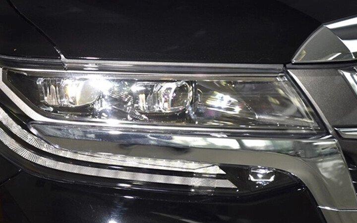 Toyota Alphard Luxury 2020 - Hình 4