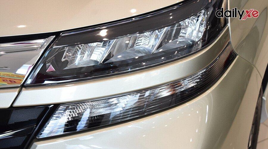 Toyota Avanza 1.5AT - Hình 4