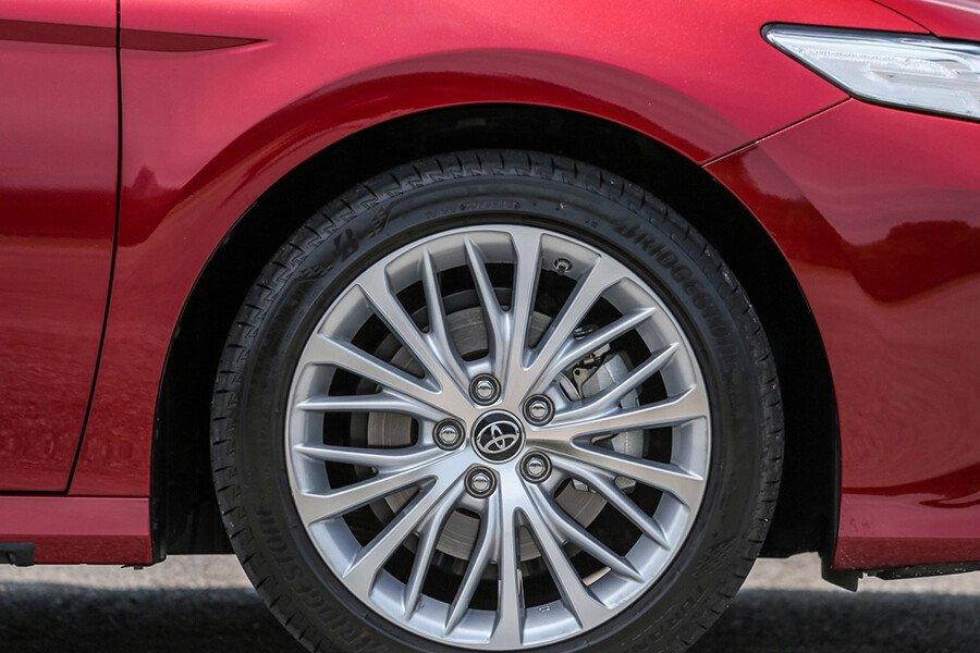 Toyota Camry 2.0G Nhập Khẩu - Hình 12