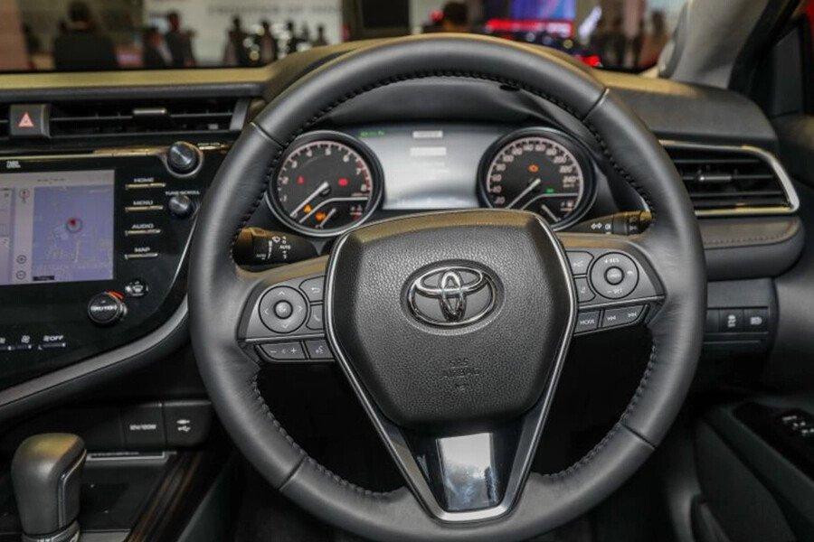 Toyota Camry 2.0G Nhập Khẩu - Hình 16
