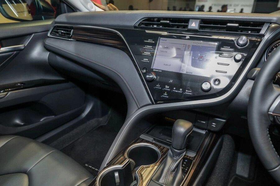 Toyota Camry 2.0G Nhập Khẩu - Hình 17