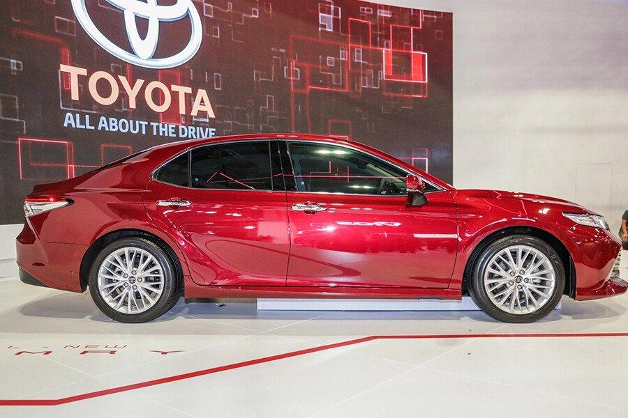 Toyota Camry 2.0G Nhập Khẩu - Hình 7