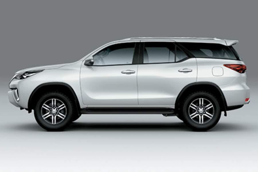 Toyota Fortuner 2.4 4x2 AT 2020 - Hình 18