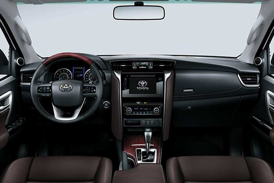 Toyota Fortuner 2.4 4x2 AT 2020 - Hình 27