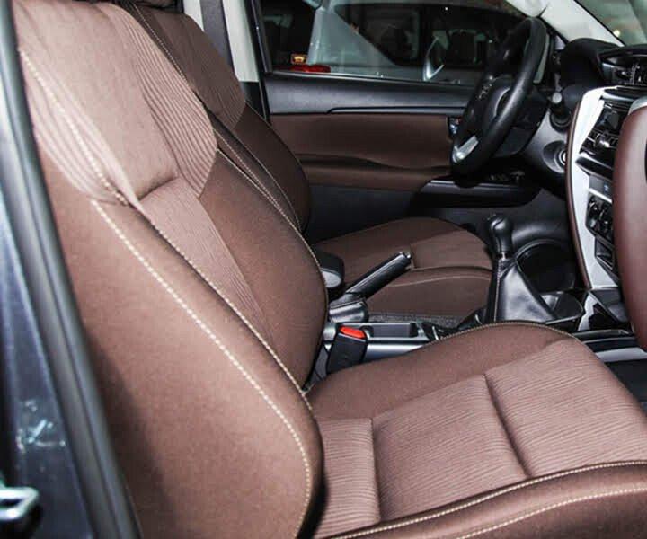 Toyota Fortuner 2.4G 4x2 MT 2020 - Hình 29