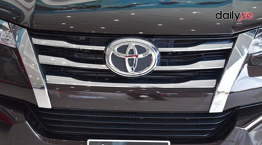 Toyota Fortuner 2.7 AT 4x2 - Hình 3