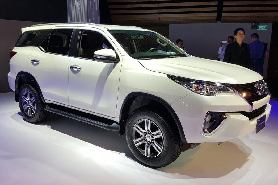 Toyota Fortuner 2.8V 4x4 2018 - Hình 18