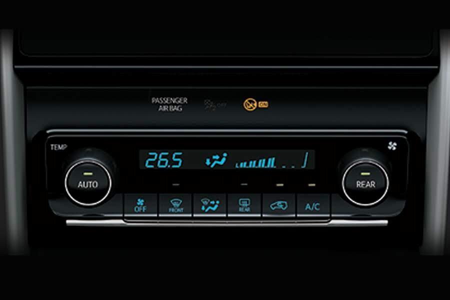 Toyota Fortuner 2.8V 4x4 2018 - Hình 33