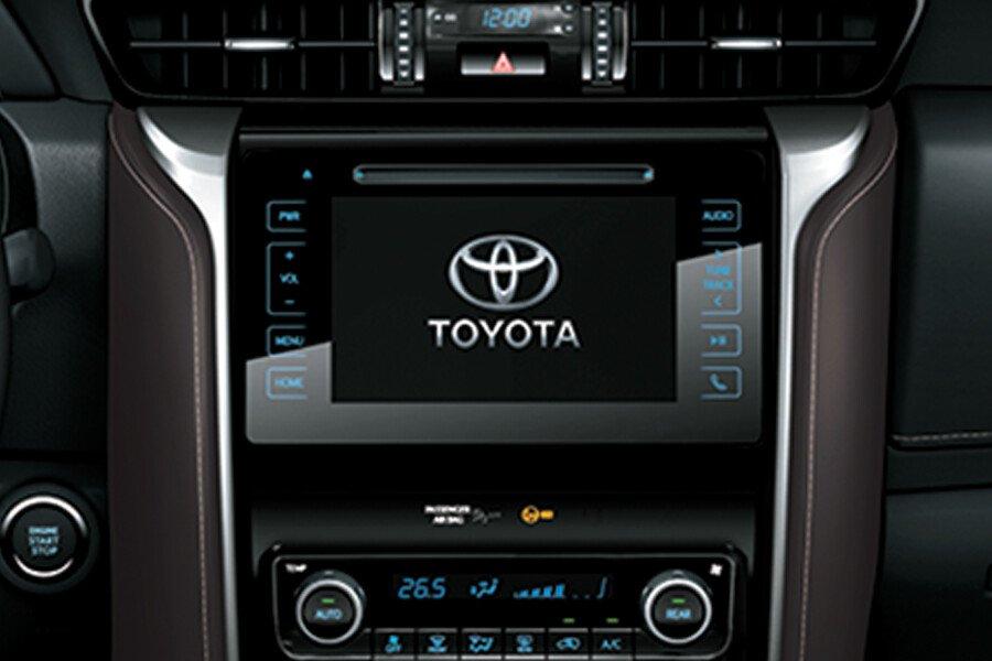 Toyota Fortuner 2.8V 4x4 2018 - Hình 34