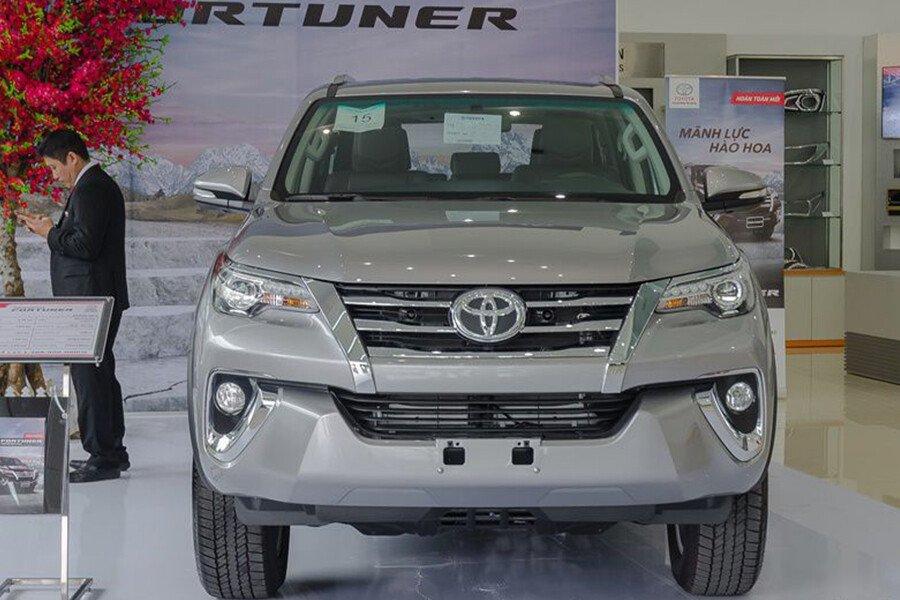 Toyota Fortuner TRD 2.7 AT 4x2 - Hình 2