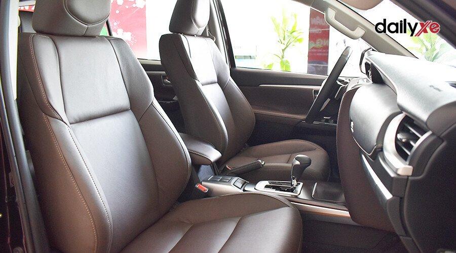 Toyota Fortuner TRD 2.7 AT 4x2 - Hình 8