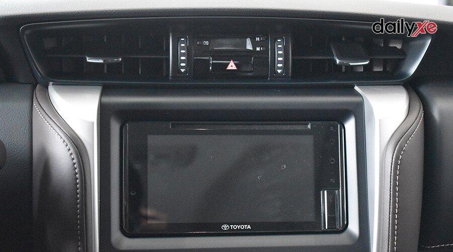 Toyota Fortuner TRD 2.7 AT 4x2 - Hình 9