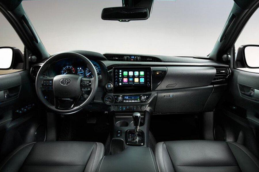 Toyota Hilux 2.4L 4X2 AT - Hình 6