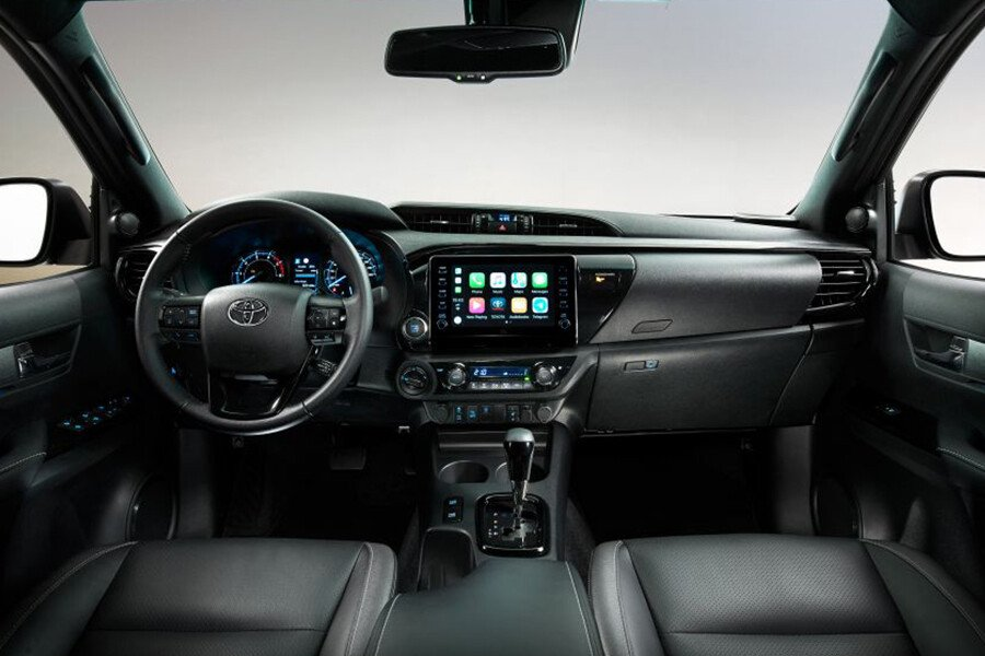 Toyota Hilux 2.4L 4X4 MT - Hình 11