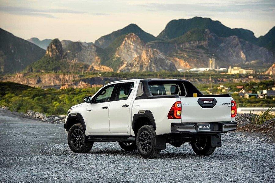 Toyota Hilux 2.8G 4x4 AT Adventure - Hình 11