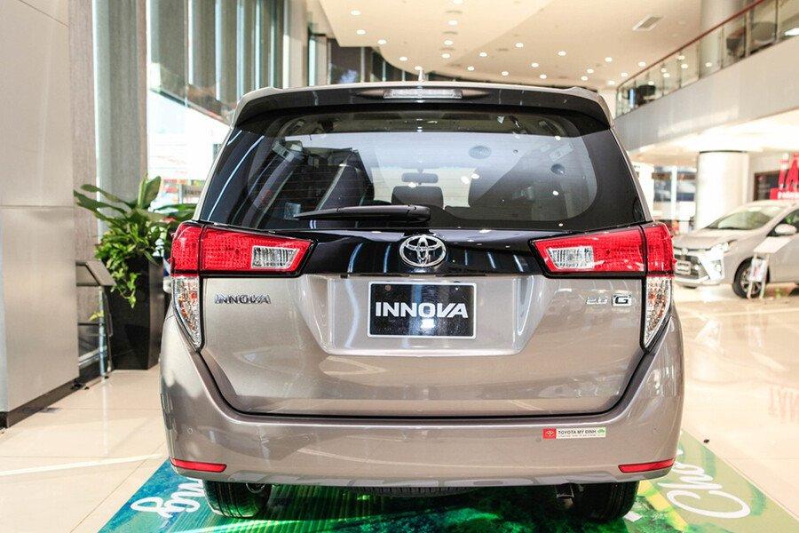 Toyota Innova V 2.0AT - Hình 17