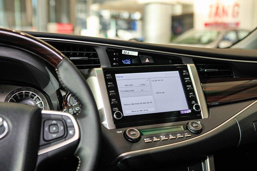 Toyota Innova V 2.0AT - Hình 25