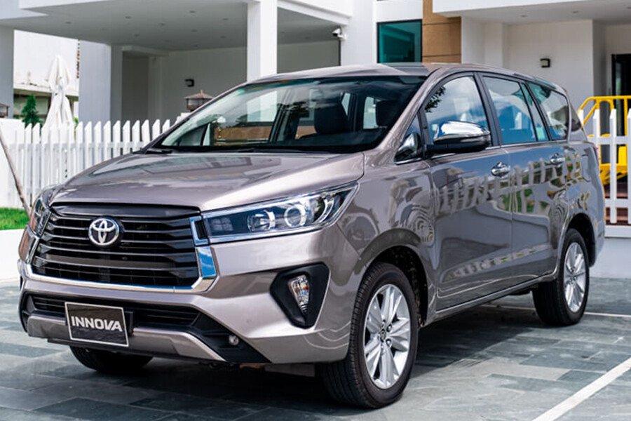 Toyota Innova V 2.0AT - Hình 3