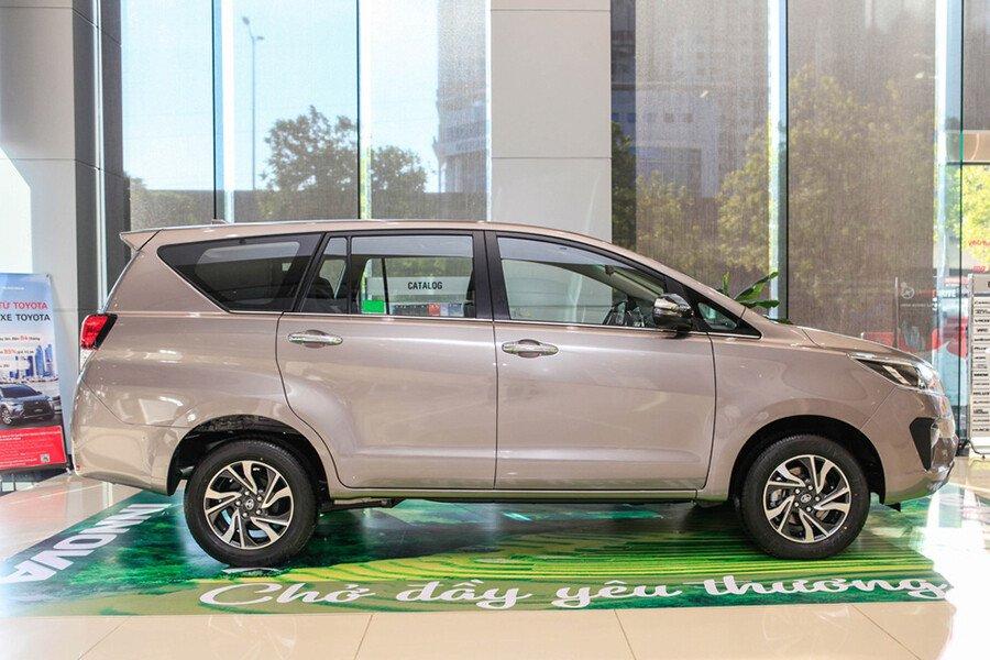 Toyota Innova Venturer - Hình 13