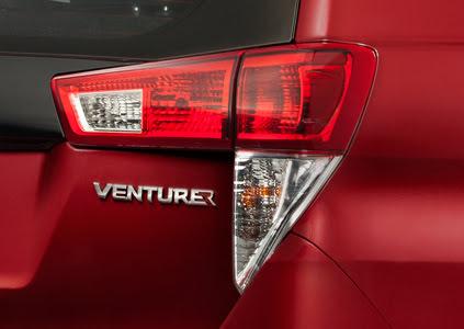 Toyota Innova Venturer 2018 - Hình 17
