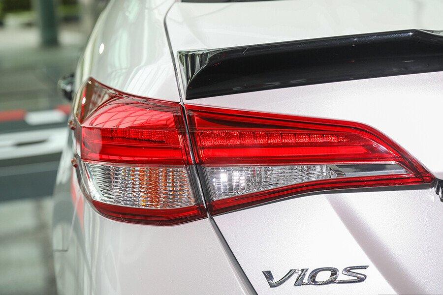 Toyota Vios 1.5 GR-S - Hình 15