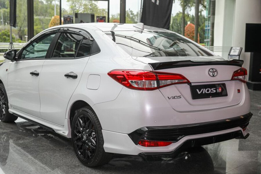 Toyota Vios 1.5 GR-S - Hình 19