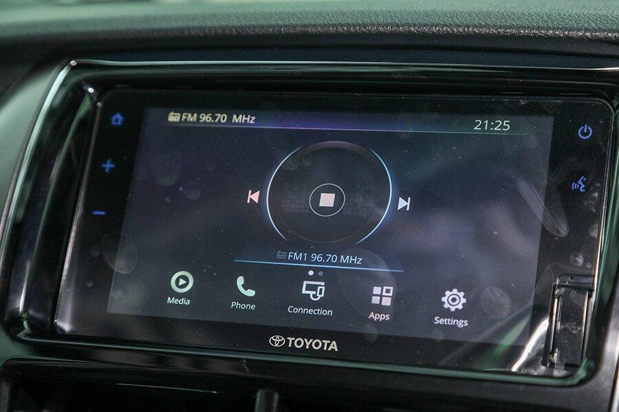 Toyota Vios 1.5 GR-S - Hình 29
