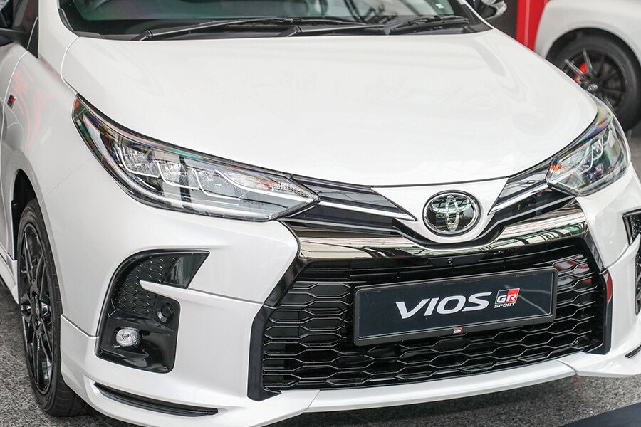 Toyota Vios 1.5 GR-S - Hình 3