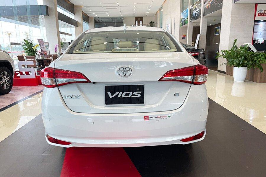 Toyota Vios 1.5E CVT (3 túi khí) - Hình 13