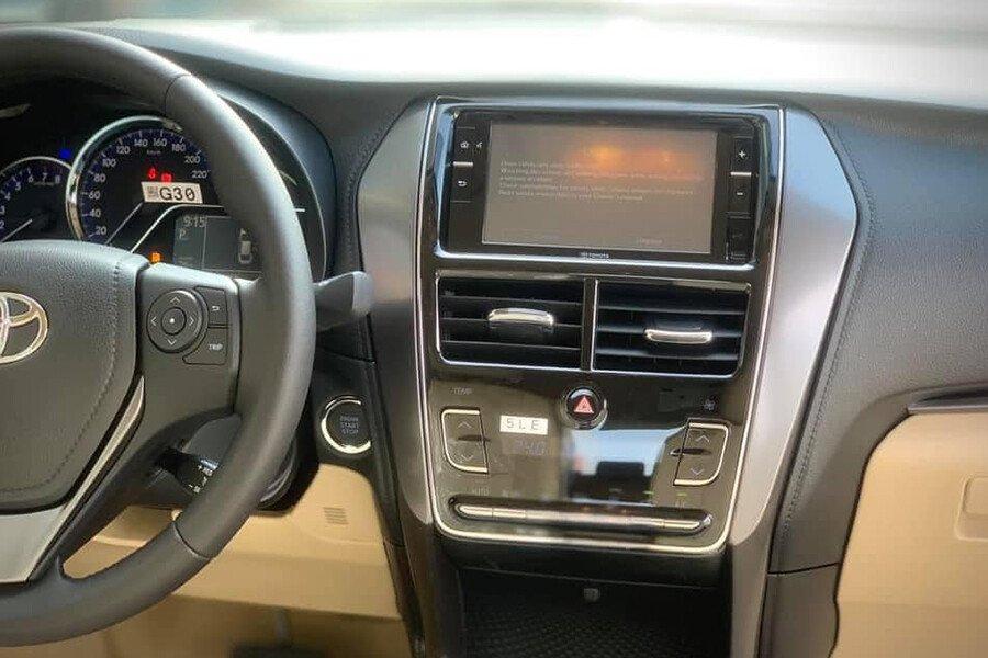 Toyota Vios 1.5E CVT (3 túi khí) - Hình 23